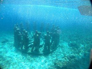 snorkeling patung gili meno