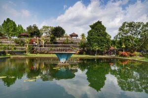"""taman """"air"""" narmada lombok"""