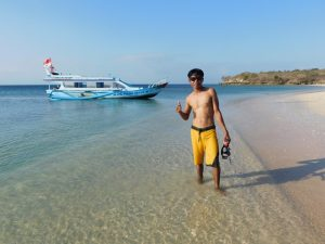 Solo Traveling ke Pantai Pink